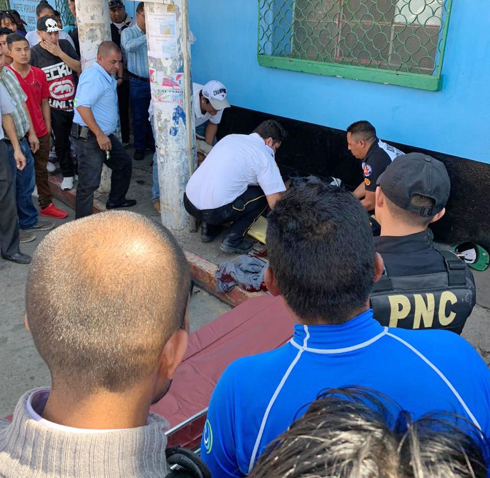 Ayer fue asesinado a balazos en la vía pública el joven Erick Solares, de 17 años.