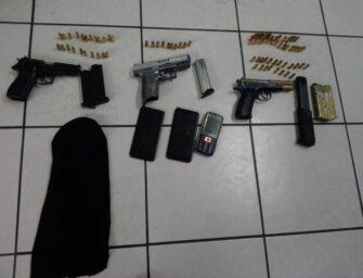 Capturados disparan contra PNC con armas ilegales