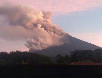 VIDEO | Volcán de Fuego entra en una nueva fuerte fase de erupción