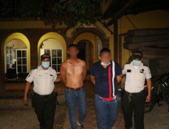 Capturan a dos presuntos motosicarios en Izabal luego de atentado