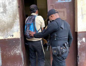 Capturan a guardia de seguridad en Escuintla y a presunto agresor en El Progreso