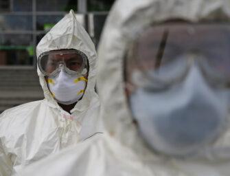 Colegio de médicos y cirujanos piden medidas más drásticas para contener la pandemia